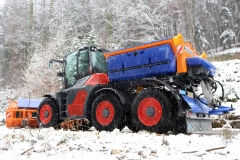 Six wheels for both clearing and salting operations.